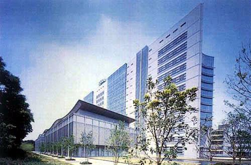 NTT武蔵野研究開発センタ本館