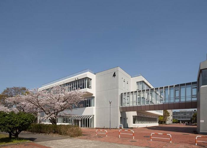 鈴鹿医療科学大学白子キャンパス4号館看護学部